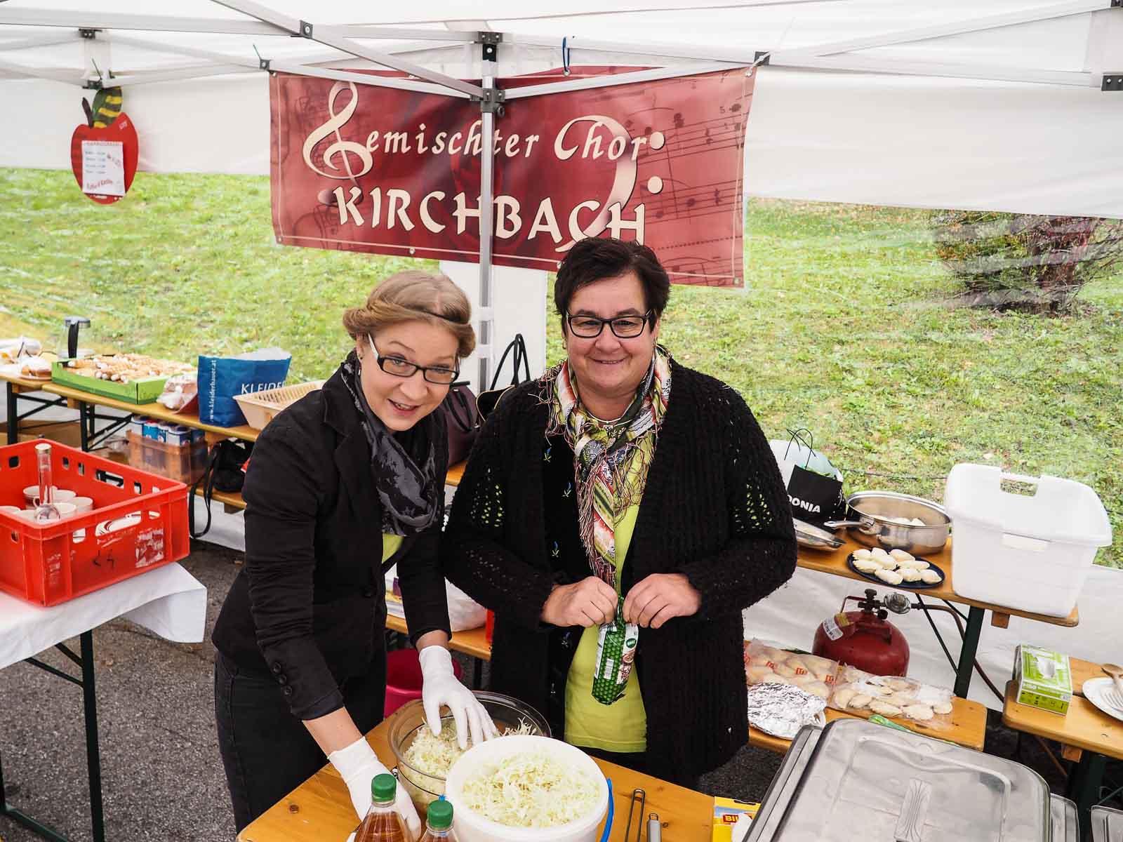 Krautsalat-vorbereiten-Kärntner-Nudel